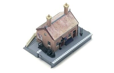 Hornby Waiting Room R8001