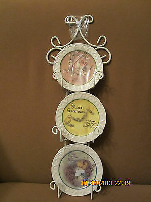 Ganz Decorative Hanging Small Easter Plates on a metal frame New