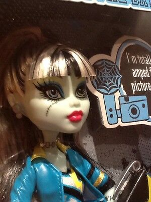 Monster High Frankie Stein Picture Day NEW DOLL