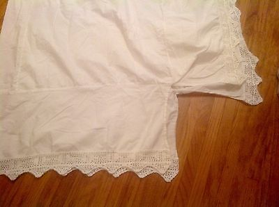 "Beautiful Twin White Crocheted Bed Skirt~12"" Drop~Nice"