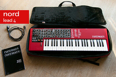 Nord Lead 4 *état impeccable* + Softcase Nord ** Clean and mint condition NL4