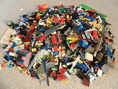 lego 1kg assortment of bricks,parts and pieces superb clean condition free p+p