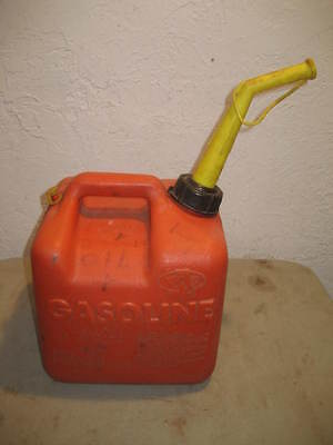 Chilton Gas Can - Model P20 - 2 Gal 12 Oz.