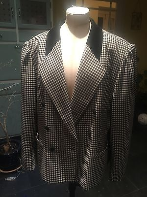 Black And White Oversized Vintage Blazer. 80s Mod. Actual Size 18. Vintage Chic