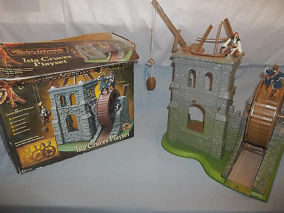 Disney Pirates Of The Caribbean Dead Mans Chest Isla Cruces Playset~W/ Figures