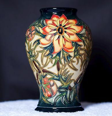 MOORCROFT SPIKE VASE BY RACHEL BISHOP 1st QUALITY - SIGNED - PRIVATE COLLECTION