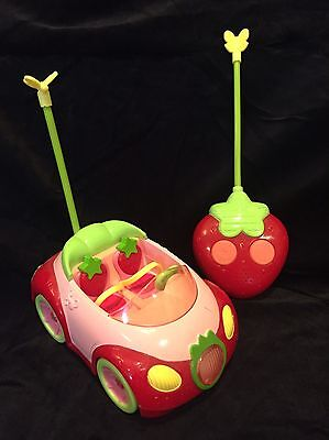 Strawberry Shortcake Berry Cruiser Remote Control Car Lights & Sound Works Great