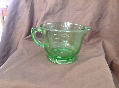 Vintage~2 Cup~16 oz MEASURING~MIXING CUP~Green Depression Glass~Vaseline~Uranium