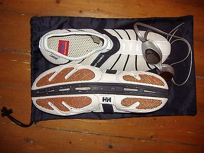Helly Hansen Mens LIFA heavy duty Beach and Surf Shoes Size 10 and bonus goggles