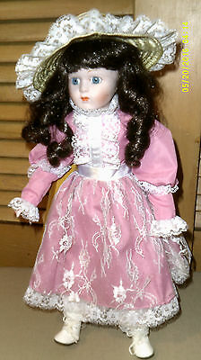 The Heritage Mint Ltd Colection 16 Vintage Doll New