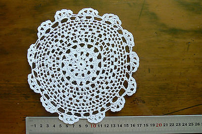Cotton WHITE Round Approx 17-18cm across EACH Hand CROCHET DOILIES Flower Edge