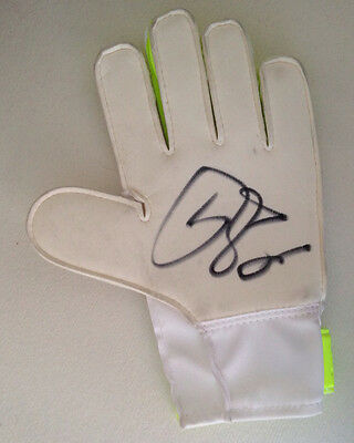 Petr Cech Signed Arsenal Goalkeepers Glove Football+Photo Proof*see Cech Sign*