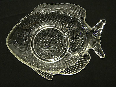 3 piece clear fish shaped snack sets.