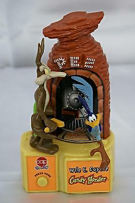 Pez Wile E Coyote Roadrunner Candy Hander Dispenser Used 1998