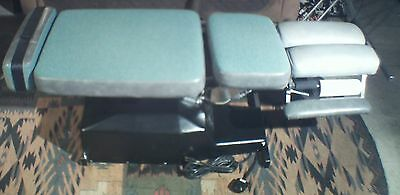 Leander Automatic Flexion - Distraction Chiropractic Table