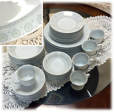 Retro Sears Harmony House Snowflake China Service 8 Christmas Winter 47 Pc EXC