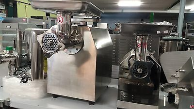 Brand New Commercial meat mincer tc32