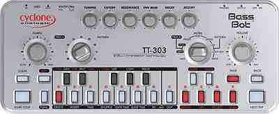 cyclone analogic TT-303 bass bot analog synth TB-303 x0xb0x xoxbox roland 303