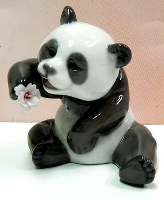 A Cheerful Panda - Animal Figurine By Lladro #8358