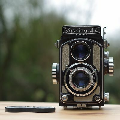 YASHICA 44A Burgundy * Baby TLR * VERY RARE