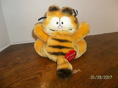 "Vintage 1981 Dakin Garfield Attack Cat Plush With Suction Cups 7"" Tall"