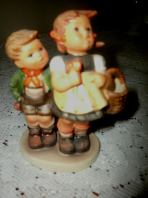 """Hummell """" To Market  """" Figurine Perfect"""