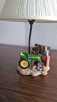 UNIQUE JOHN DEERE Tractor/Workshop Table Lamp With Shade: FREE SHIPPING
