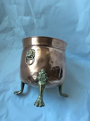 Beautiful Vintage Copper Planter Pot Holder On 3 Claw Feet And Lion Head Handles