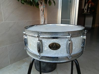 "Caja Rogers Holiday Eagle badge White marine pearl 14""x5"" Vintage 1957 Snare"