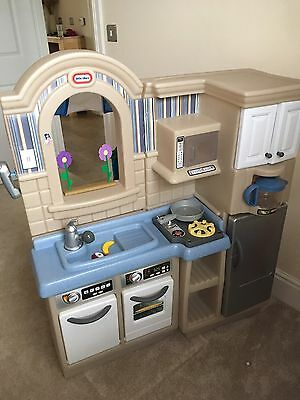 Little tikes Cook And Grill Kitchen Hardly Used