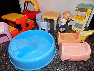 LITTLE TIKES doll house lot coupe kitchen pool figure beds vanity plus