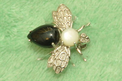 EJC 14k White Gold Black Onyx & Mother of Pearl Bee or Fly Brooch