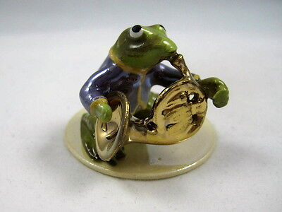 Hagen Renaker made in Amercia Specialty Frog playing French Horn
