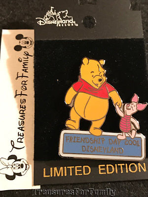 Disney LE Pin Winnie the Pooh Piglet Friendship Day 2001 Holding Hands NEW
