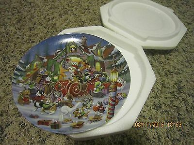 Bradford Exchange Santa Claws is Coming To  Town Mewsic Holidays Christmas Plate