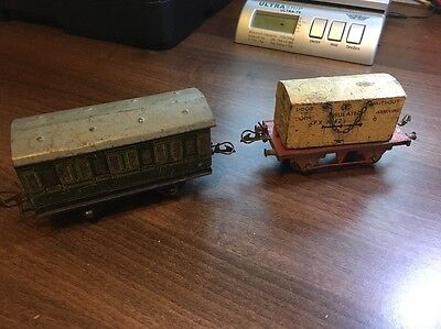 Great Vintage Hornby O Gauge Carriage And Wagon. Wagon Has Insulated Unit. Look!