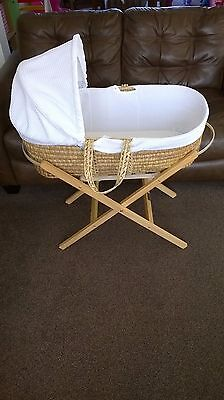 Clair de Lune waffle moses basket with folding stand and selection of bedding