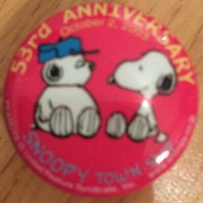 Auth Peanuts Snoopy Town 53rd Anniversary 2003 Button Pin Badge Collector