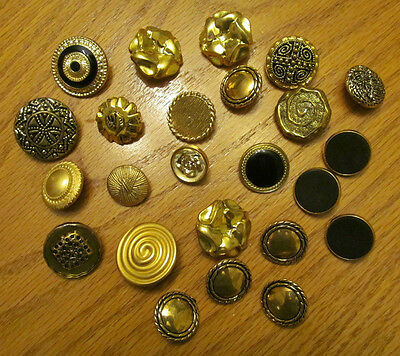 Crafter's Mixed Lot of Vintage Shank Buttons Gold Tone Flower Centers  20+