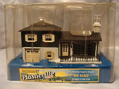 Bachmann Plasticville HO Scale Split Level House 45005 New Train Model Building