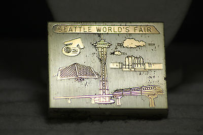 1962 Seattle World's Fair Exposition Ladies Metal Scenic Powder Compact