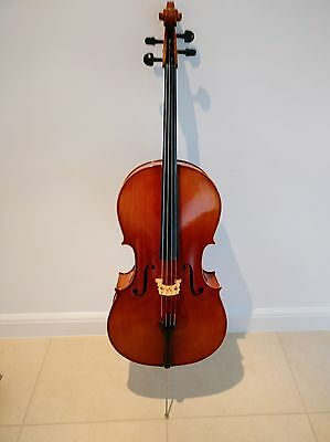 Full size cello, bow, soft case, lovely condition, great sound