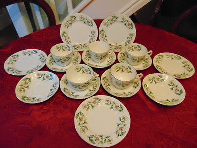 Crown Staffordshire Wild Roses Tea Set (17 Pieces) In Good Condition