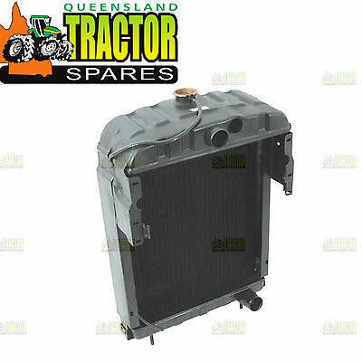 Farmall A564, A554, MD, Super M, AWD7, M and AW7 Radiator