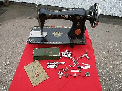 Vintage   15K   Singer   Sewing  Machine.   1941.  Ed037701. With  Accessories.