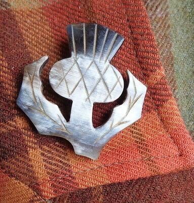 """Vintage Hand-Carved Celtic Horn Brooch - A Sweet Single Scottish """"THISTLE"""" Pin!"""