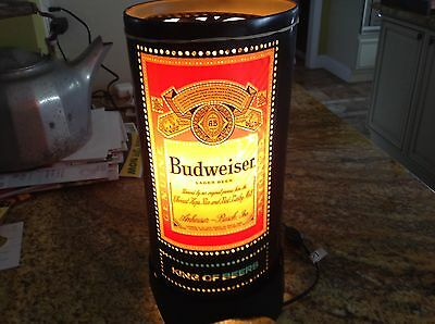 Super cool collectible vintage estate Budweiser Beer table lamp beautiful bold
