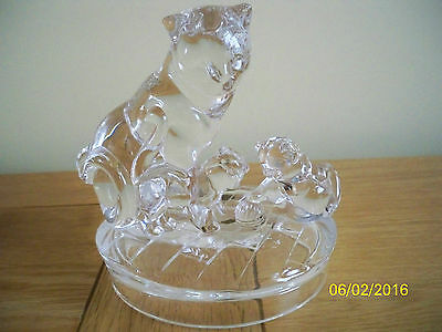 Royal Crystal Rock Glass Mother Cat And Two Kittens Figurine.