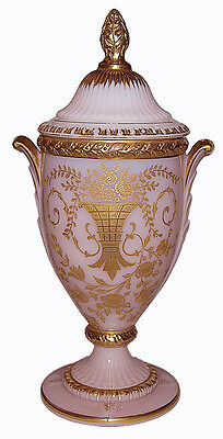 """Cambridge Portia Crown Tuscan #3500 /41 Gold Decorated Covered 10"""" Urn"""