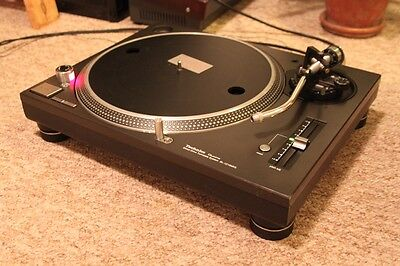Technics 1210 Mk5 turntable.Fully serviced for sale.Good condition and working.